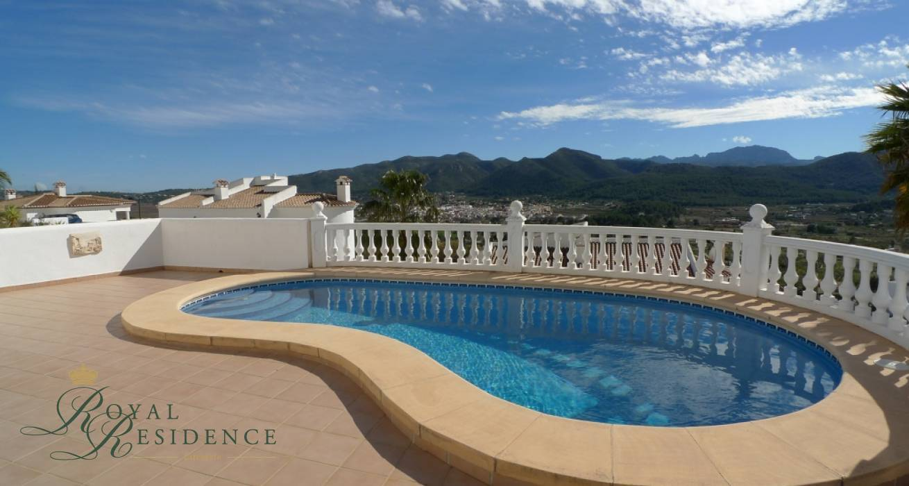 Villa in Jalon with panoramic views